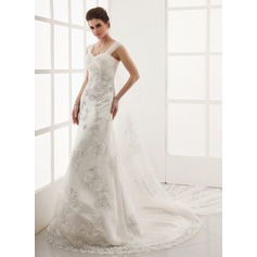 A-Line/Princess Sweetheart Watteau Train Tulle Wedding Dress With Appliques Lace