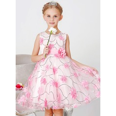 A-Line/Princess Knee-length Flower Girl Dress - Polyester/Cotton Sleeveless Scoop Neck With Sash/Flower(s)