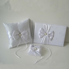 Collection Set in Satin With Bow