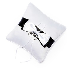 Ring Pillow in Silk With Bow Knot