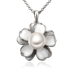 Flower Shaped Alloy/Pearl Ladies' Necklaces