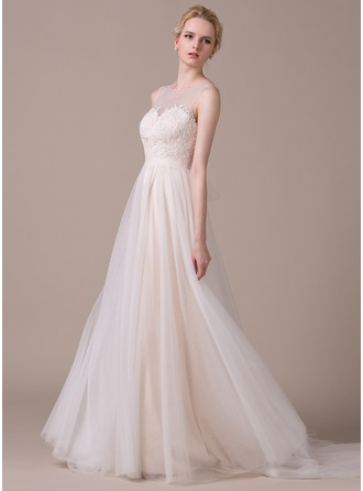 A-Line/Princess Scoop Neck Court Train Tulle Wedding Dress With Appliques Lace Bow(s)