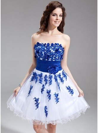 A-Line/Princess Sweetheart Knee-Length Tulle Charmeuse Homecoming Dress With Embroidered Sash Beading Flower(s)