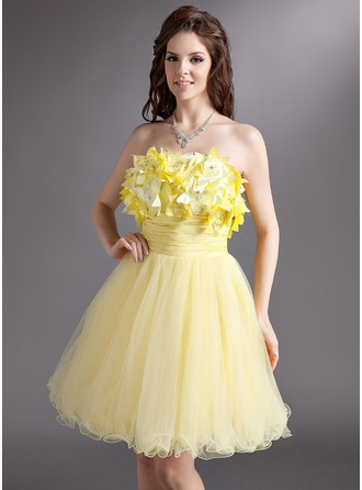 A-Line/Princess Strapless Short/Mini Tulle Holiday Dress With Ruffle Beading