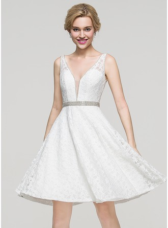 A-Line/Princess V-neck Knee-Length Lace Homecoming Dress With Beading