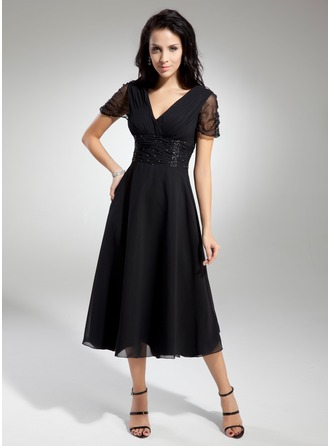 A-Line/Princess V-neck Tea-Length Chiffon Tulle Mother of the Bride Dress With Ruffle Beading