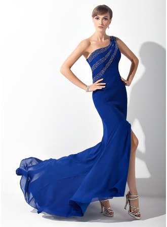 Trumpet/Mermaid One-Shoulder Sweep Train Chiffon Mother of the Bride Dress With Beading Split Front