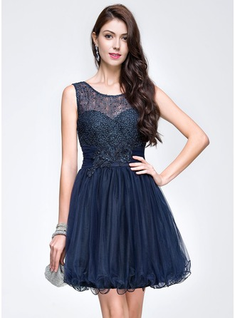 A-Line/Princess Scoop Neck Short/Mini Tulle Homecoming Dress With Ruffle Beading Appliques Lace Sequins