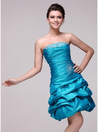 A-Line/Princess Strapless Knee-Length Taffeta Cocktail Dress With Ruffle Beading