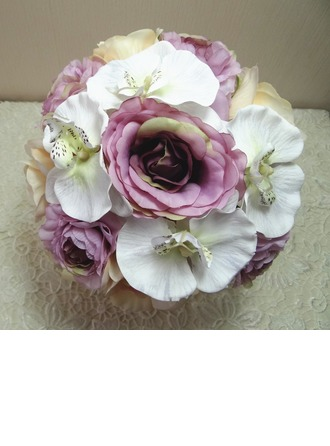 Fascinating Hand-tied Cloth Bridal Bouquets