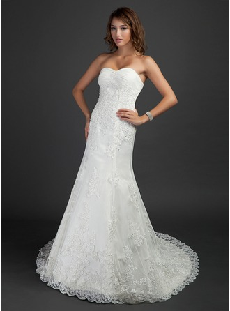 Trumpet/Mermaid Sweetheart Chapel Train Tulle Wedding Dress With Ruffle Beading Appliques Lace