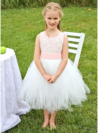 A-Line/Princess Scoop Neck Tea-Length Tulle Flower Girl Dress With Appliques Lace Bow(s)