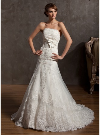 A-Line/Princess Strapless Court Train Organza Wedding Dress With Appliques Lace Bow(s)
