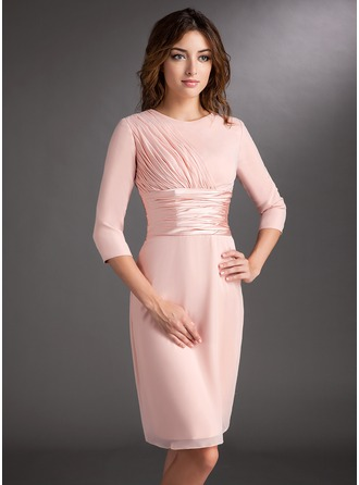 Sheath/Column Scoop Neck Knee-Length Chiffon Charmeuse Mother of the Bride Dress With Ruffle