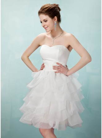 A-Line/Princess Sweetheart Knee-Length Organza Homecoming Dress With Cascading Ruffles