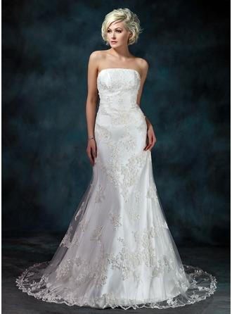 Trumpet/Mermaid Strapless Court Train Tulle Wedding Dress With Beading Appliques Lace
