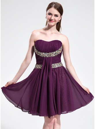A-Line/Princess Sweetheart Knee-Length Chiffon Charmeuse Homecoming Dress With Ruffle Sash Beading