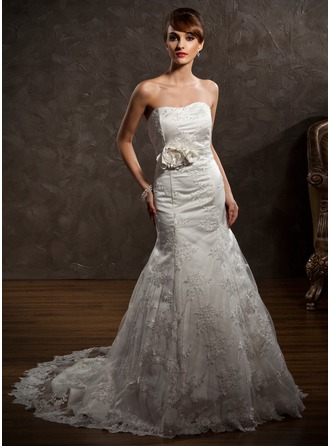 Trumpet/Mermaid Sweetheart Chapel Train Lace Wedding Dress With Embroidered Beading Flower(s)