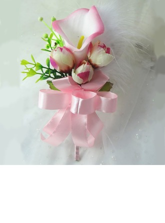Cute Free-Form Cloth Boutonniere