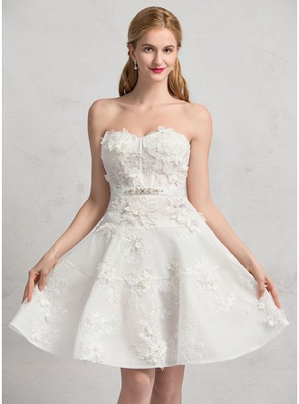 A-Line/Princess Sweetheart Knee-Length Lace Wedding Dress With Beading Sequins