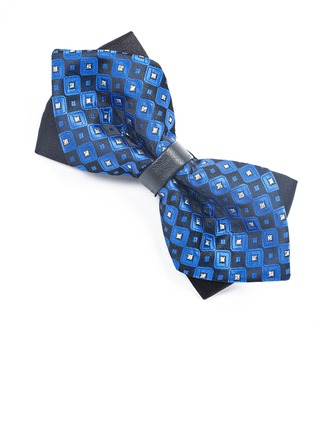 Modern Style Satiné Bow Tie