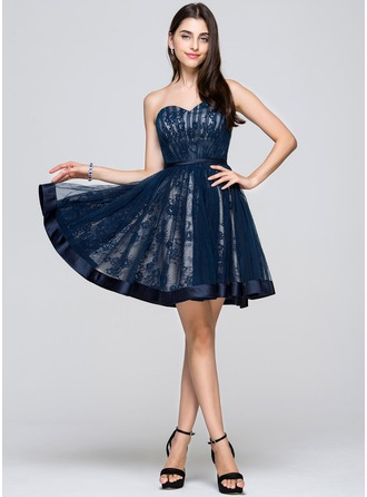 A-Line/Princess Sweetheart Short/Mini Tulle Lace Homecoming Dress With Ruffle