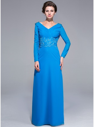 Sheath/Column V-neck Floor-Length Chiffon Mother of the Bride Dress With Ruffle Lace Beading