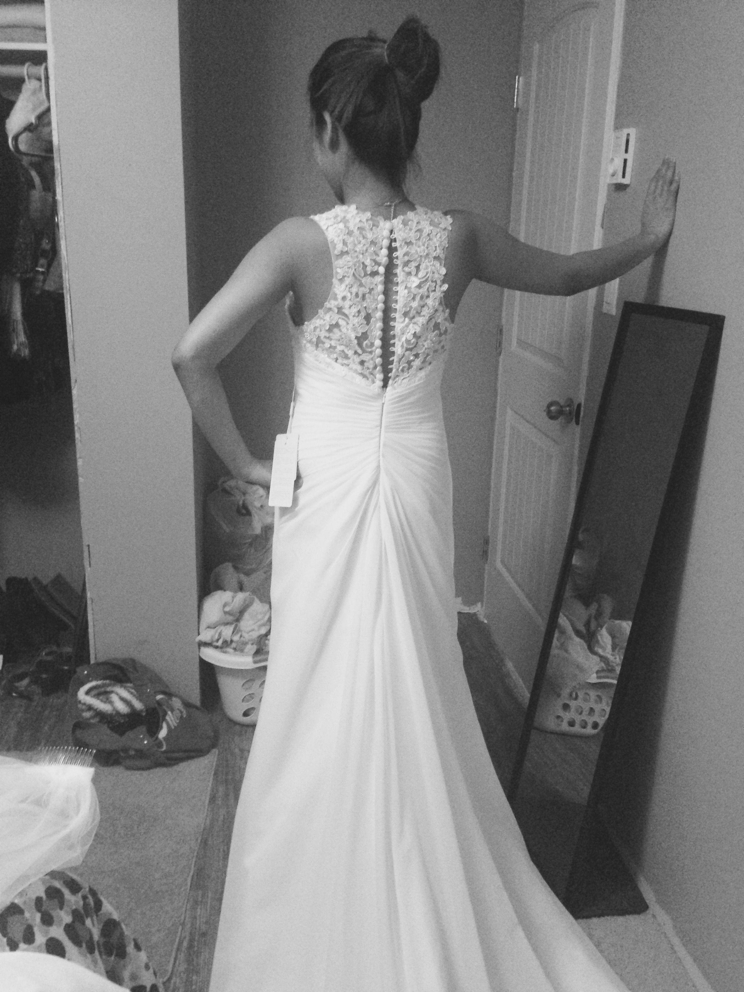 The white dress 949 887