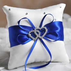 Grace Ring Pillow in Satin (103087004)