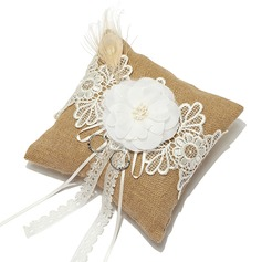 Splendor Ring Pillow in Linen With Lace
