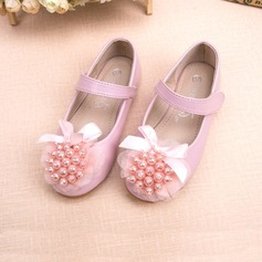 Girl's Leatherette Flat Heel Closed Toe Flats With Bowknot Imitation Pearl Flower