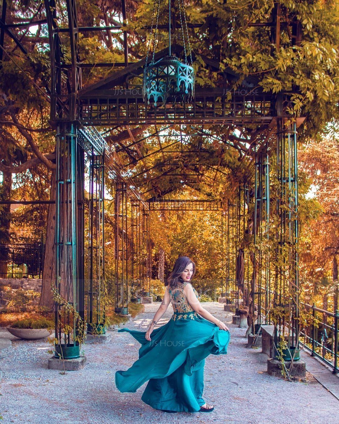 A-Line V-neck Floor-Length Chiffon Evening Dress With Beading (017167687)