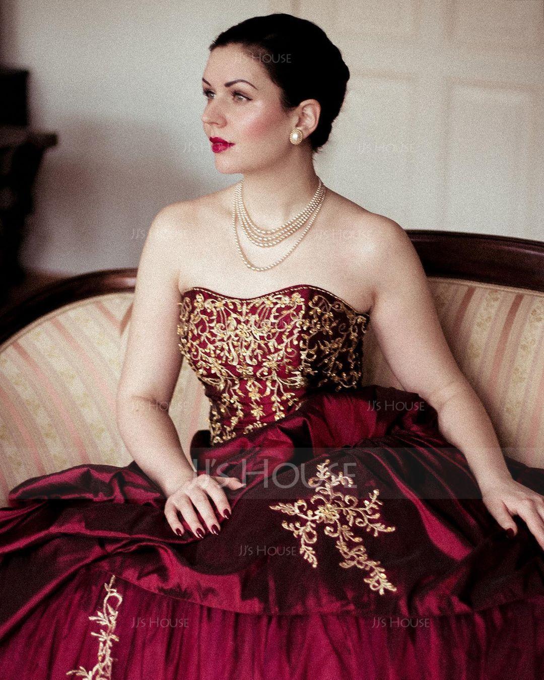 Balklänning Älskling Kungliga Tåg Taft Bröllopsklänning med Broderad Rufsar Beading (002011490)