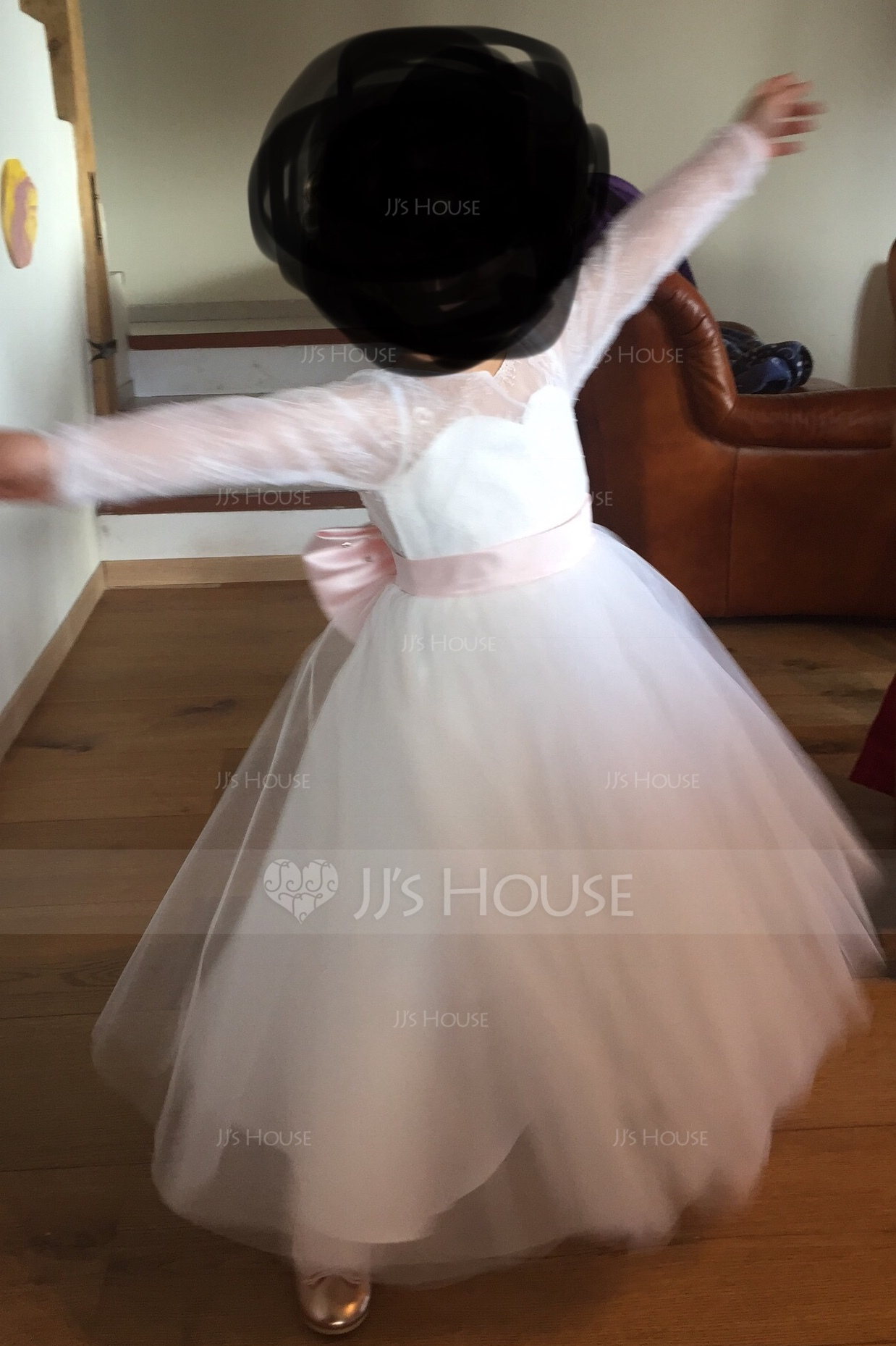 A-Line/Princess Floor-length Flower Girl Dress - Tulle/Lace Long Sleeves Scoop Neck With Bow(s)/V Back (Undetachable sash) (010144181)