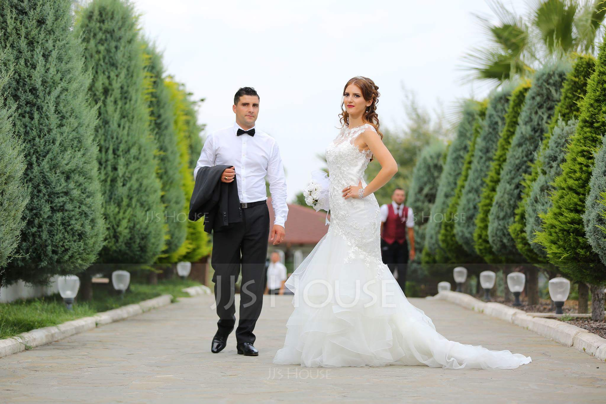 Trumpet/Mermaid Illusion Court Train Tulle Lace Wedding Dress With Cascading Ruffles (002071757)