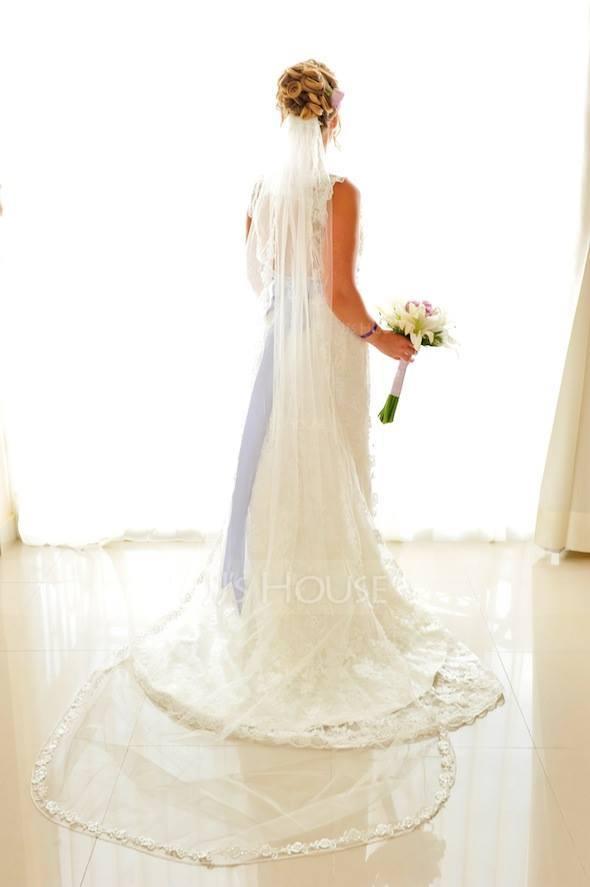 One-tier Lace Applique Edge Chapel Bridal Veils With Applique (006002241)