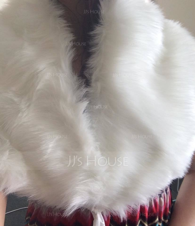 Faux Fur Wedding Wrap (013037961)