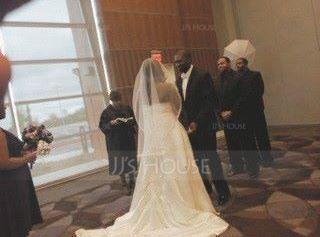 Princesový Bez ramínek Kostelní vlečka Satén Svatební šaty S Volán Krajka Zdobení korálky (002012609)