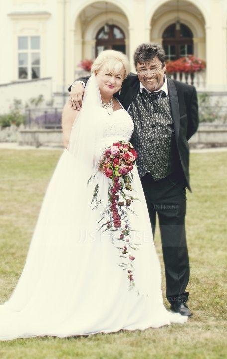 Empire Sweetheart Court Train Chiffon Wedding Dress With Ruffle Lace Beading (002012793)