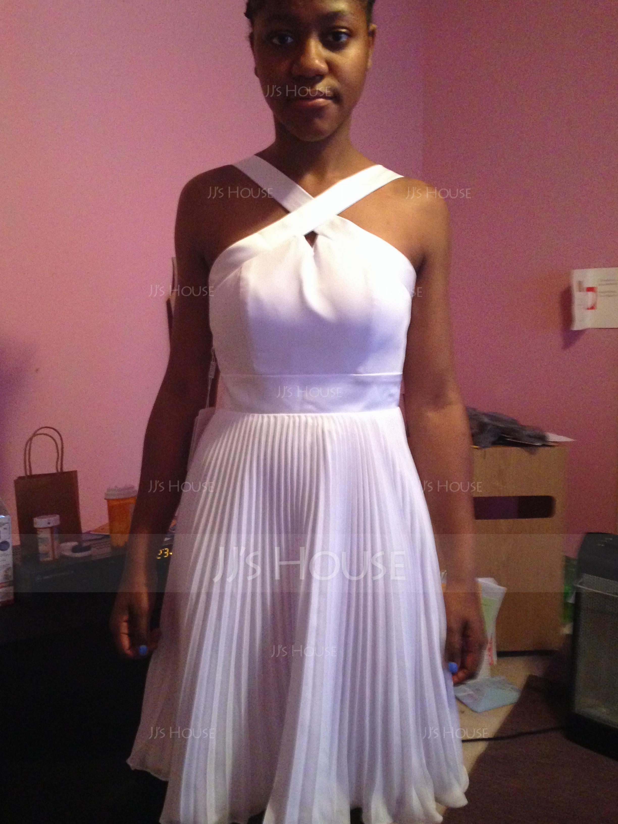 A-Line V-neck Knee-Length Chiffon Satin Homecoming Dress With Pleated (022068040)