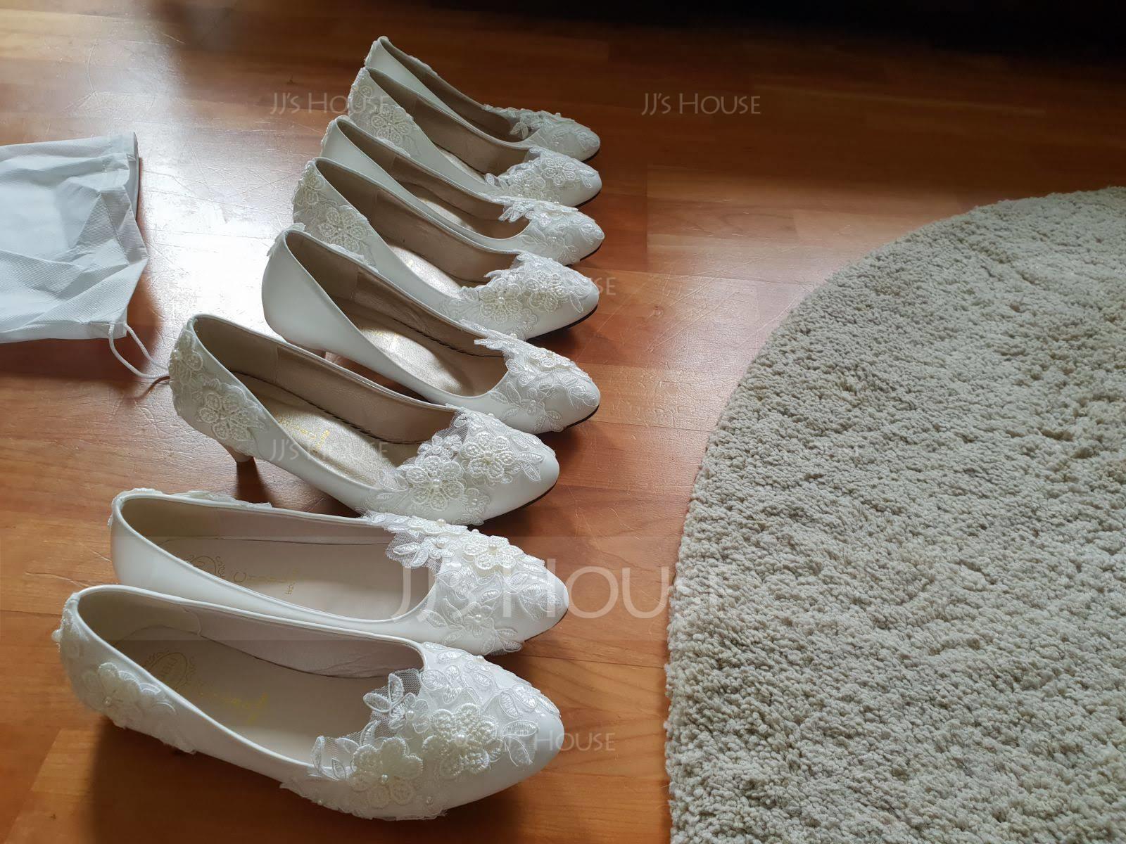 Women's Lace Leatherette Stiletto Heel Closed Toe Pumps With Imitation Pearl Applique (047132792)